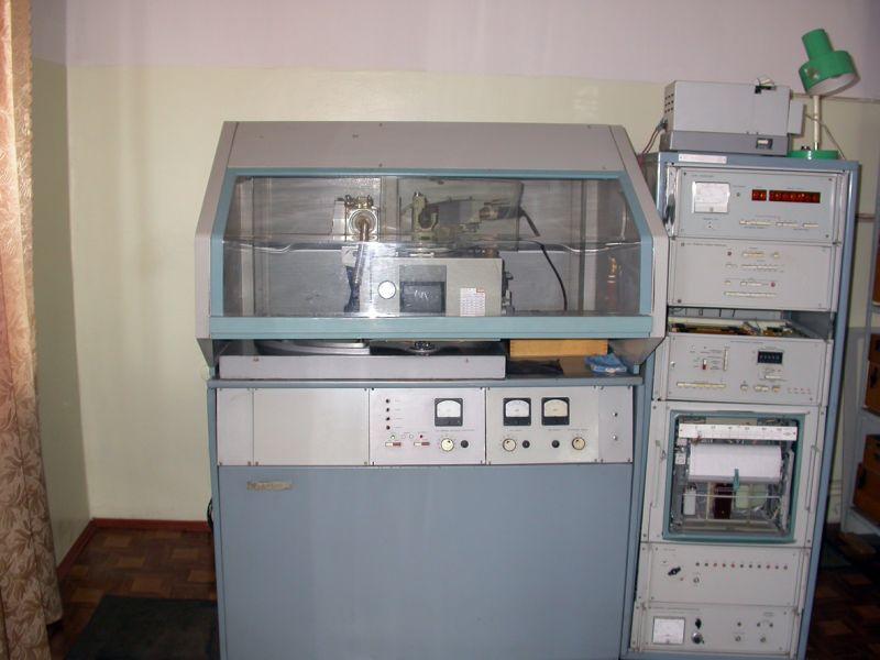 Дифрактометр ДРОН-3 с монохроматизированным излучением