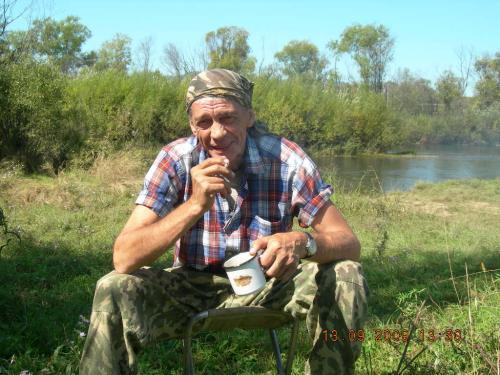 Дирекция Института с глубоким прискорбием сообщает, что в ночь на 3 августа 2017 г. на 67-м году ушел из жизни главный научный сотрудник, руководитель лаборатории минерагении рудных районов, доктор геолого-минералогических наук Виталий Иванович Гвоздев.