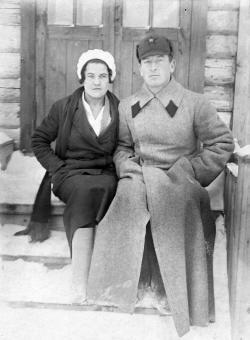 Мама и отец, 1935 г (Канал Москва-Волга)