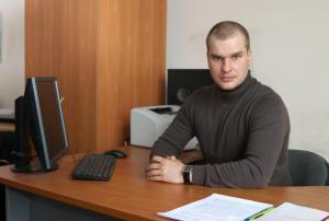 Блохин Максим Геннадьевич,  заместитель директора по научной работе